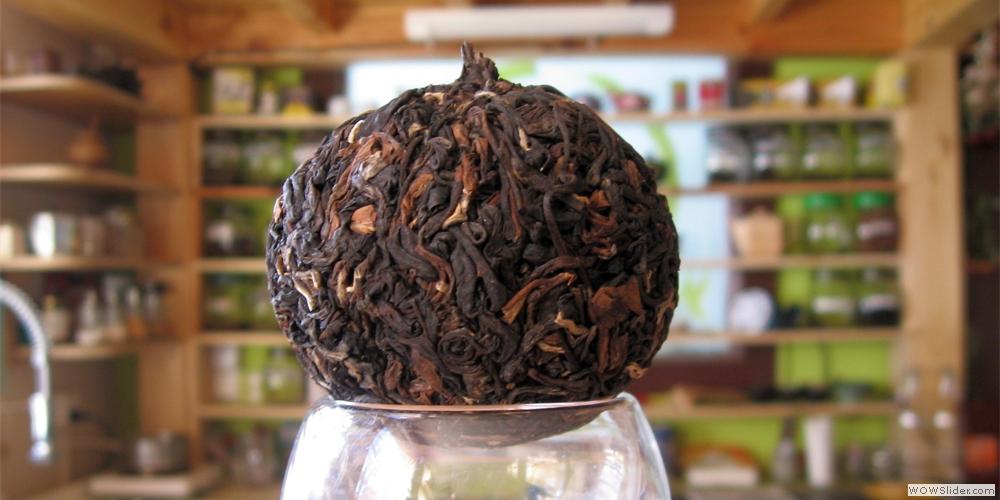 úplňkový čaj lisovaný by Petr Sič